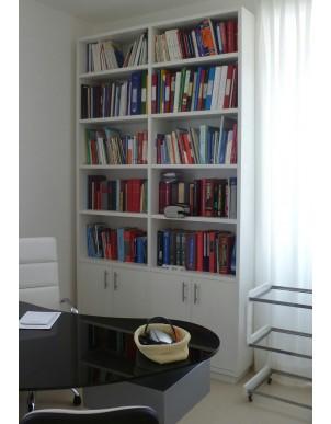 Libreria in Legno Massello Naturale Rifinito ad Olio